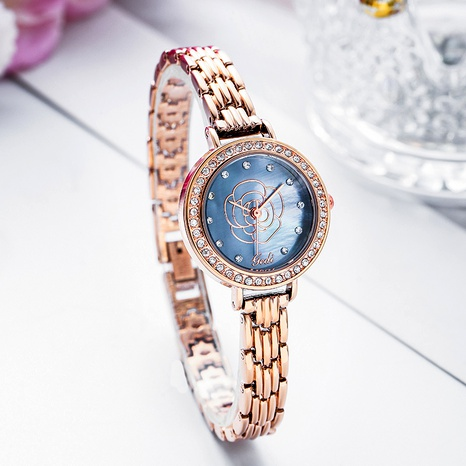 fashion round dial engraved watch  NHSR294251's discount tags