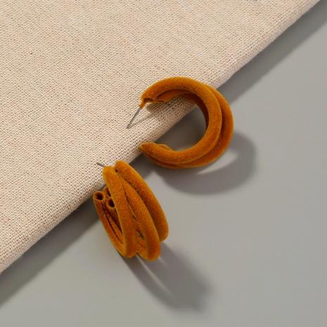 aretes retro en forma de C redondos flocados marrones NHAN295285's discount tags