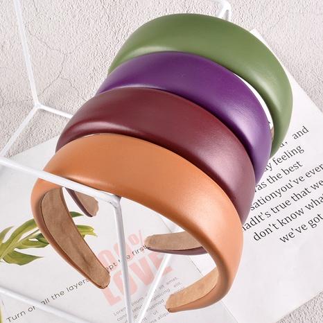 diadema ancha de esponja de cuero de color sólido NHAQ295486's discount tags