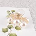 NHAQ1336595-Three-pearl-grippers