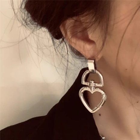 Mode Retro herzförmige Ohrringe NHYQ297513's discount tags