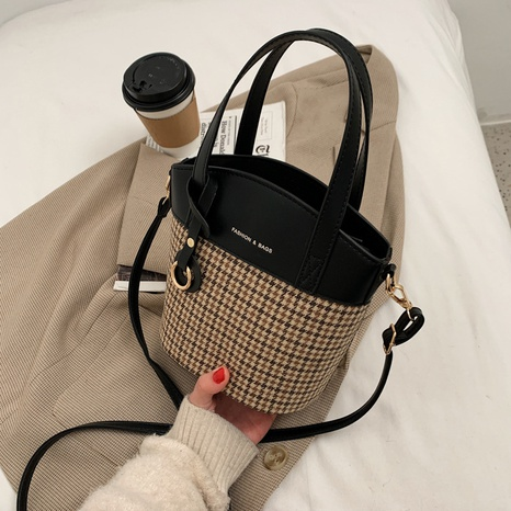 retro houndstooth bucket bag NHJZ297743's discount tags