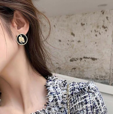 Portrait Coin Earrings  NHOT299896's discount tags