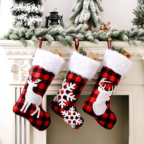 Colgante de árbol de calcetines navideños de cuadros rojos y negros NHHB291388's discount tags