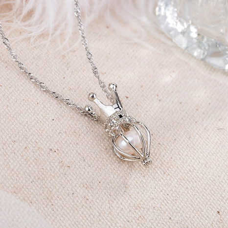 crown pendant pearl necklace NHAN291107's discount tags