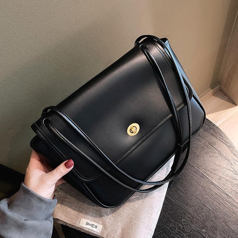 large-capacity retro messenger bag  NHLH293407