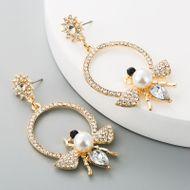Fashion exaggerated retro alloy inlaid pearl earrings female rhinestone bee long fashion earrings NHLN197549