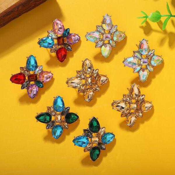 Nueva moda pendientes exquisitos diamantes de imitación acrílico flor pendientes mujeres NHJQ198162
