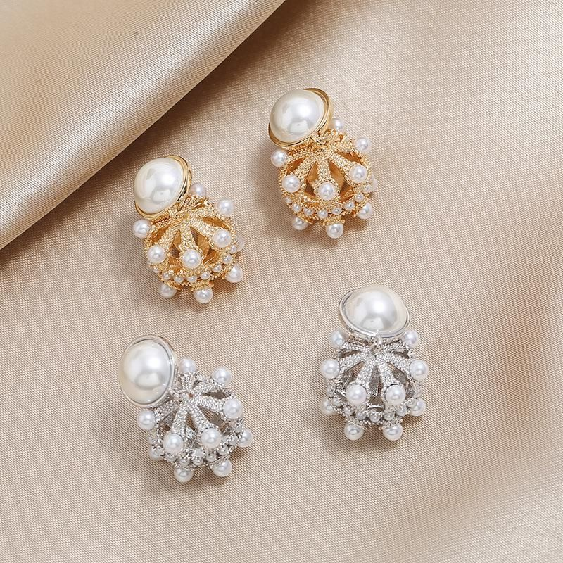 Fashion new trend earrings European and American retro luxury Hong Kong style was thin round pearl earrings NHKQ199033