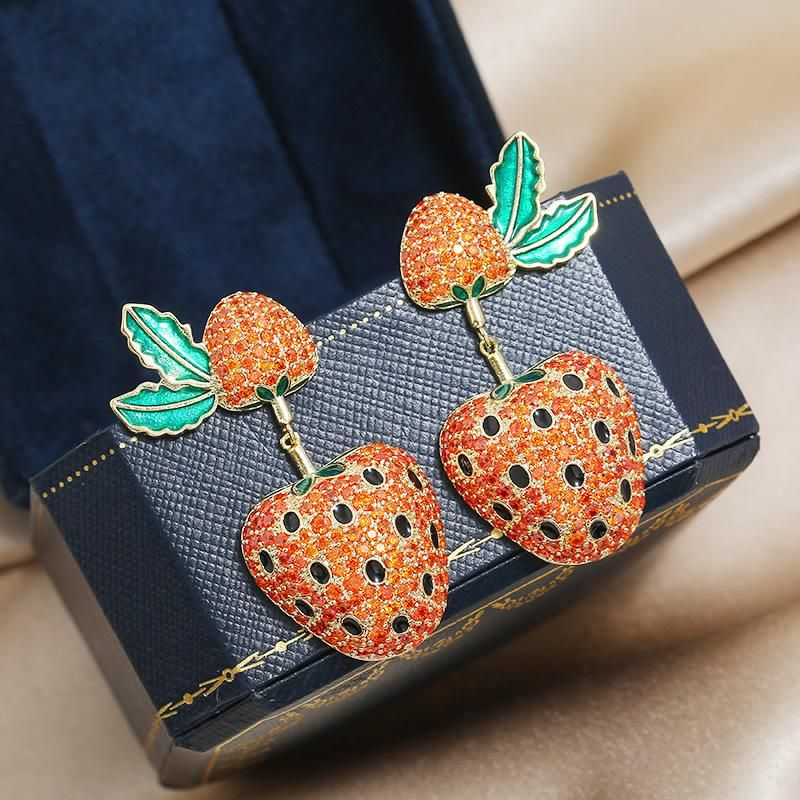 Fashion Simple Strawberry Fruit Fresh Earrings S925 Silver Pin Childlike Cute Girl Earrings NHKQ199044