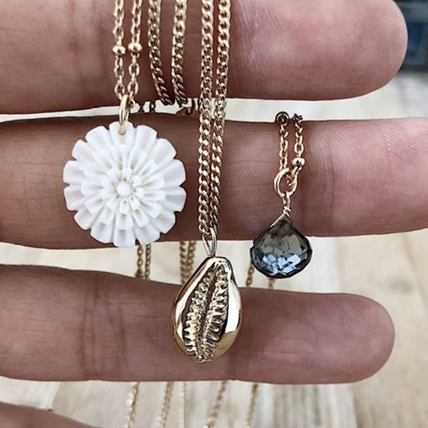 New paragraph decorated white flower shell three-layer necklace neck chain emerald pendant sweater chain women NHGY195996