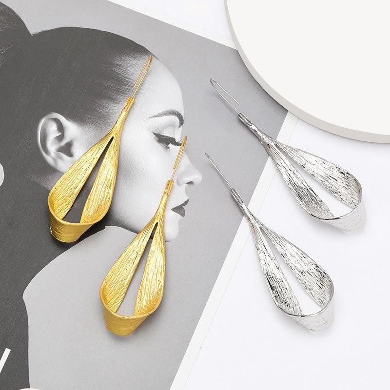Fashion women's earring creative curly alloy ear hook geometric ear hook earrings NHJE201851
