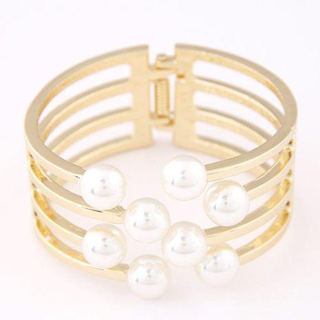 Bracelet exagéré de perles métalliques simples et élégantes en gros yiwu NHSC202752's discount tags
