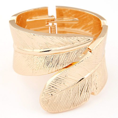 Fashion vintage metal wings exaggerated bracelet wholesales yiwu NHSC202751