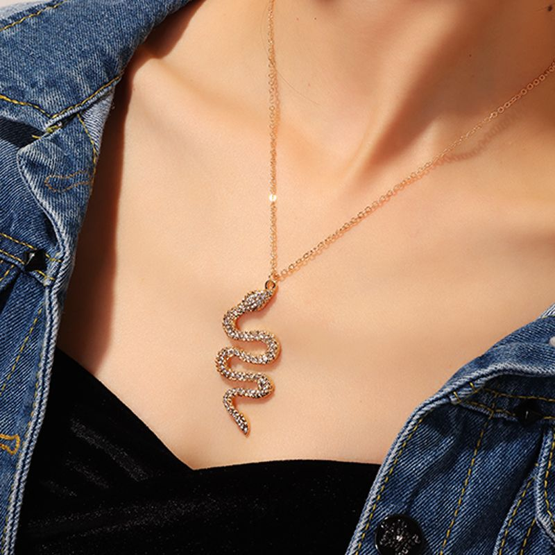 Creative Pop Snake Necklace Metal Diamond Pendant NHNZ203464