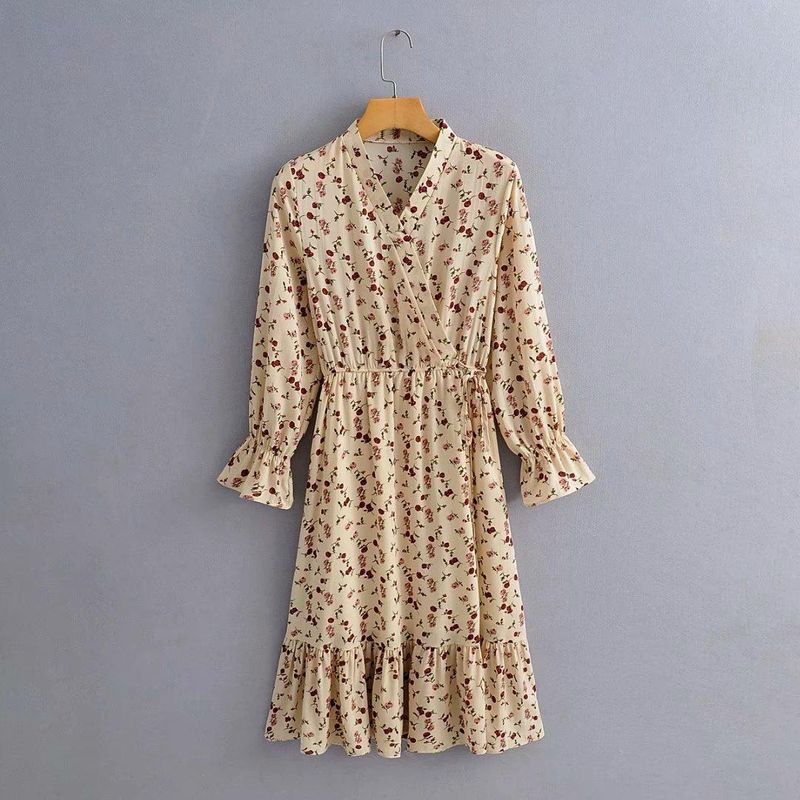 Wholesale Spring New Female V-neck Flared Sleeve Drawstring Slim Floral Dress NHAM203440