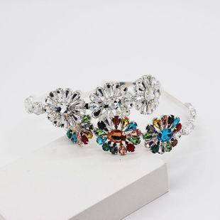 Moda de diamantes de talla joya de metal aro de pelo damas baile pasarela calle tiro accesorios para el cabello salvaje NHWJ199396's discount tags