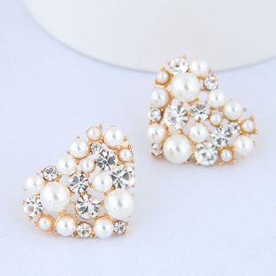 Korean fashion metal sweet bright peach heart pearl earrings wholesale NHSC204332's discount tags