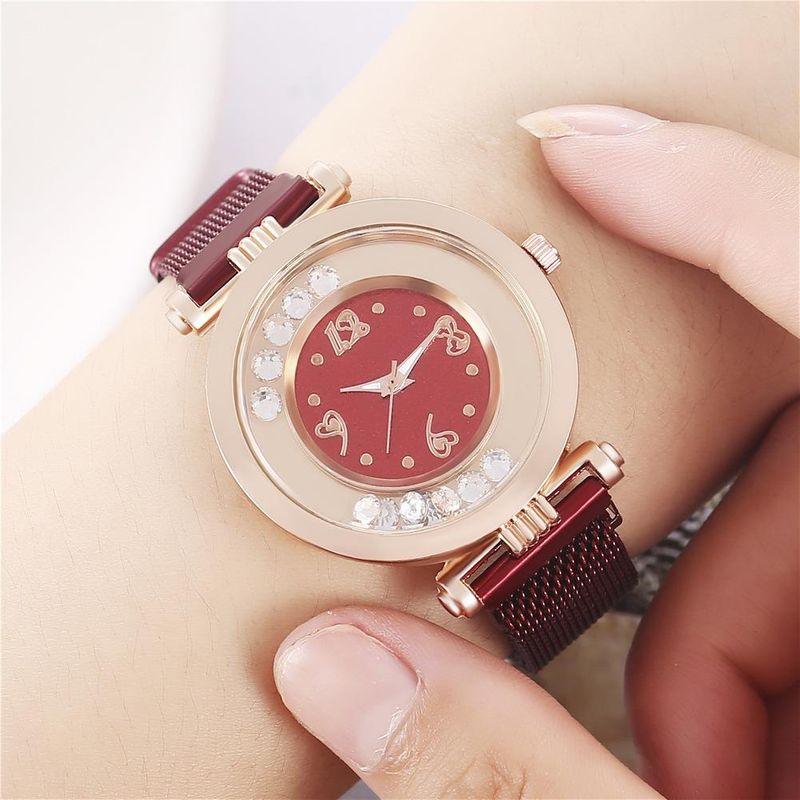 Women's Digital Creative Quicksand Milan Quartz Watch with Magnet Buckle for Women NHHK203876