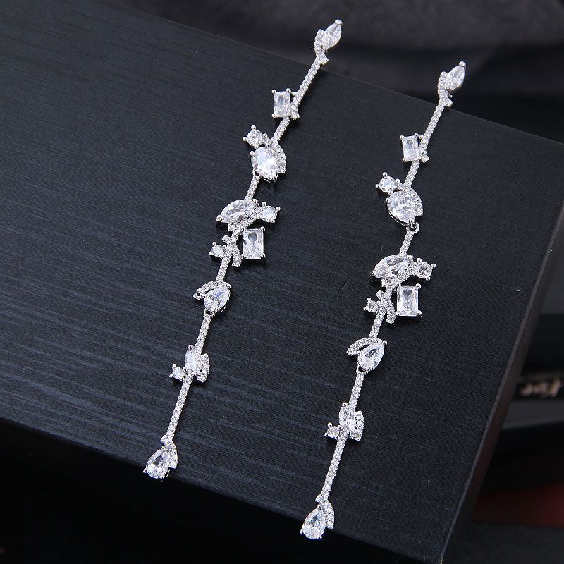 Korean fashion female earrings copper micro inlaid zircon simple and exaggerated ladies earrings NHSC204319