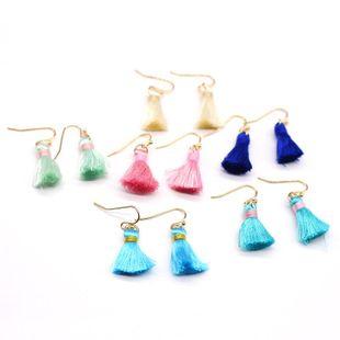 Pendientes de borla simples coreanos pendientes de borla corta al por mayor NHGO204414's discount tags