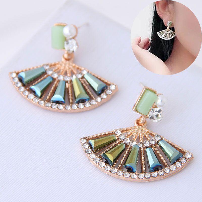 Korean Fashion Sweet Scalloped Diamond Stud Earrings for women wholesale NHSC204511