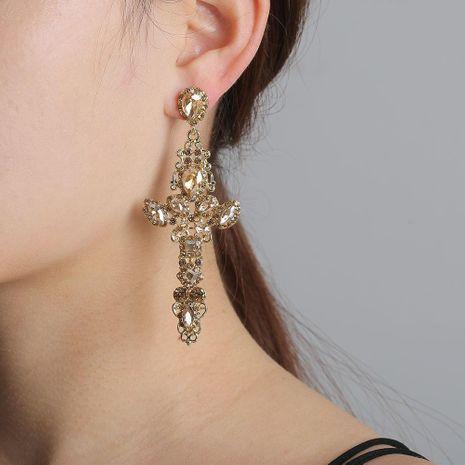 Nouvelle mode croix diamant rétro palais creux sauvage boucles d'oreilles fraîches en gros NHJJ204704's discount tags