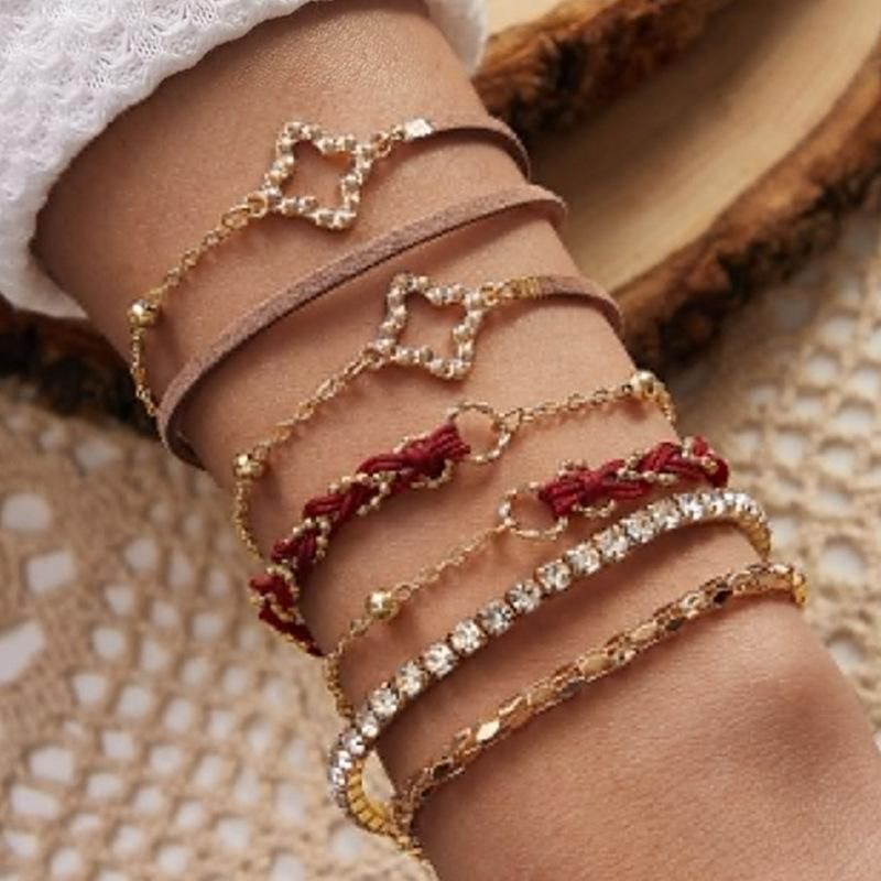 New Fashion Studded Multi-Element Chain Bracelet Leather Bracelet for women wholesale NHNZ205164