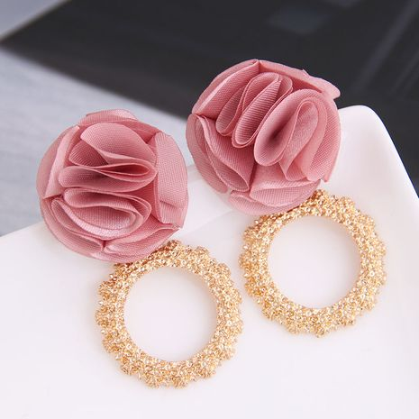 Yi wu jewelry wholesale fashion wild metal ring flowers exaggerated earrings NHSC205678's discount tags