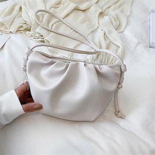 Bolso de mujer de diseño nuevo bolso de mensajero de hombro bolso de nube NHTC205498's discount tags
