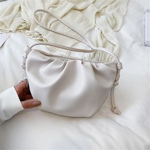 Bag design women bag new shoulder messenger bag cloud bag NHTC205498's discount tags