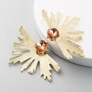 Nihaojewelry pendientes de abanico de oro y diamantes de aleación de vidrio exagerados para mujer NHLN199766's discount tags