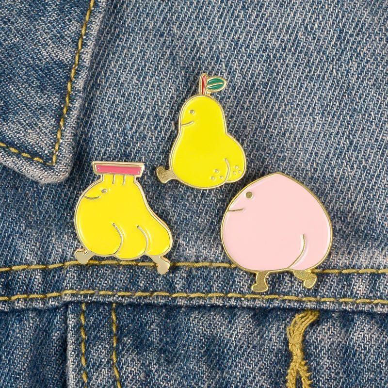 New oil drip enamel student badge cute cartoon peach pear banana brooch wholesale NHBO199837