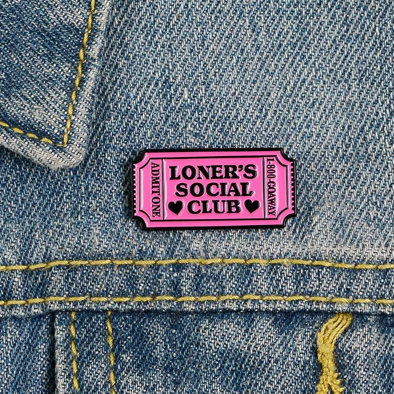 Creative Pink Solitaire Enamel Pin Brooch Club Brooch Hermit Shirt Badge NHBO199838