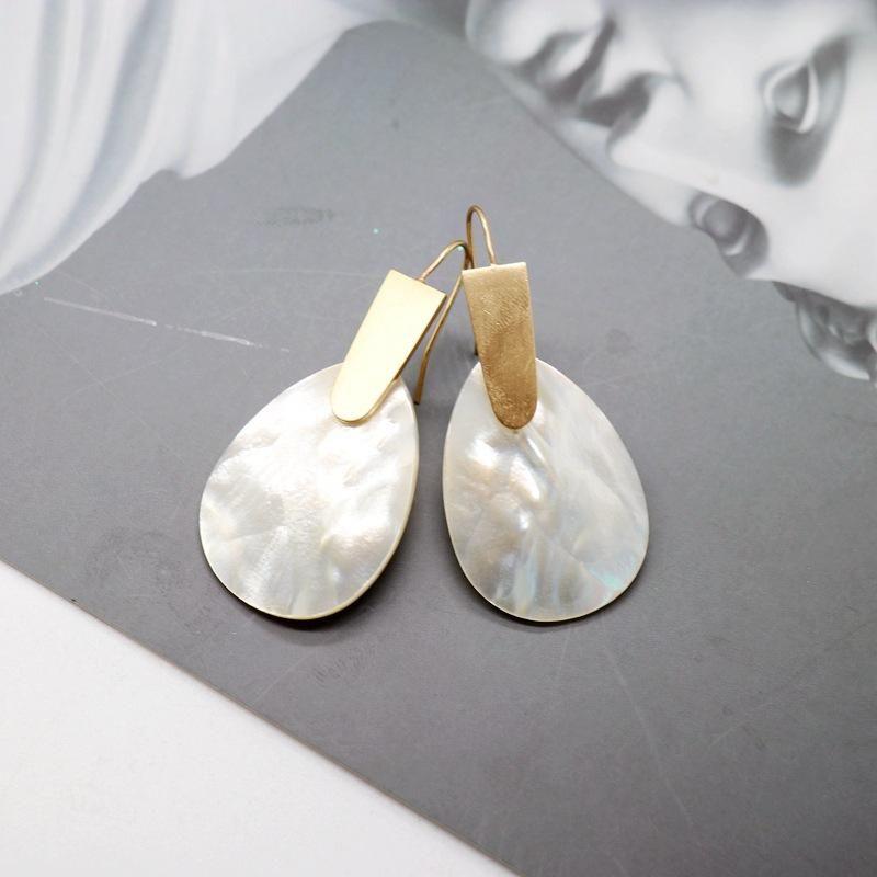 Natural Oval White Shell Earrings Copper Earrings Elegant Wild Earrings Wholesale NHOM205780
