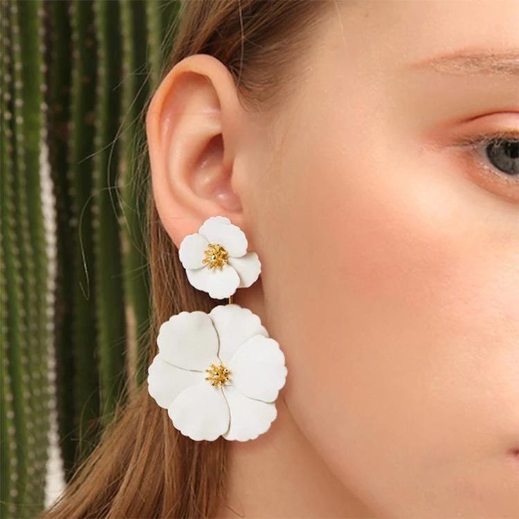 Korean fashion sweet exaggerated inlay earrings boho alloy flower long earrings NHLN200349