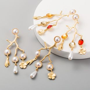 Dendritic alloy palm flower earrings with resin diamond imitation pearl earrings long earrings NHLN200450's discount tags