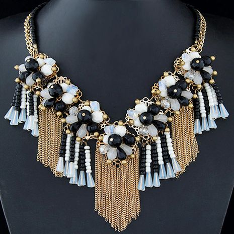 Fashion jewelry wholesale metal wild crystal flower fringed short necklace NHSC200867's discount tags