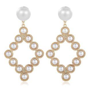 Pendientes de moda para mujer pendientes de perlas salvajes de aleación retro coreana al por mayor NHVA201082's discount tags