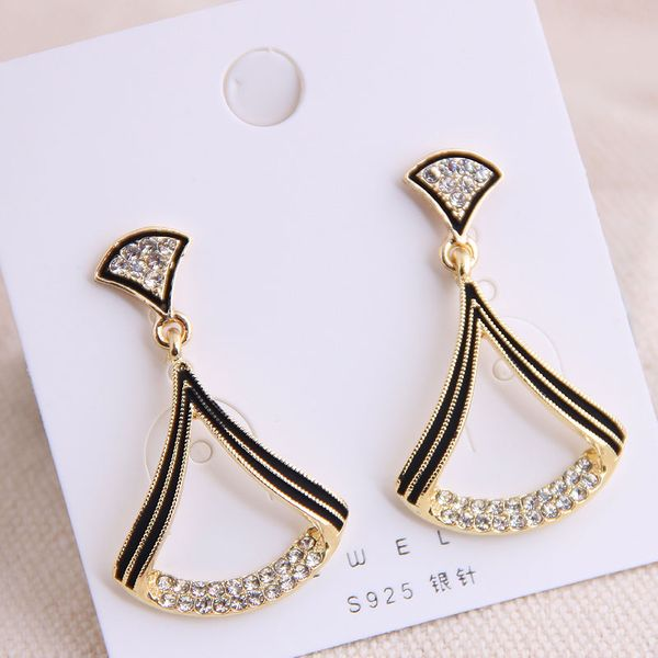 925 Silver Needle Korean Fashion Sweet OL Classic Geometric Shape Flash Diamond Earrings Yiwu Wholesale NHSC206645