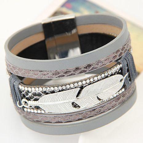 Nouvelle mode en métal plume en cuir multicouche ultra large boucle magnétique bracelet yiwu nihaojewelry en gros NHSC208658's discount tags