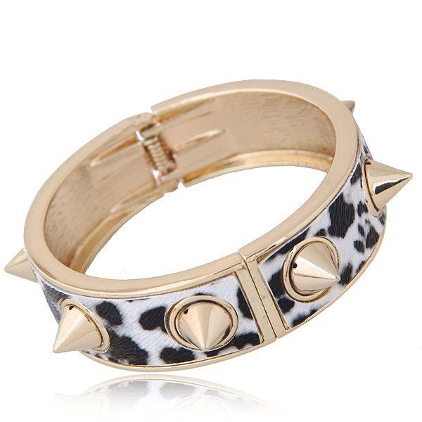Fashionable metal simple punk leopard rivet exaggerated bracelet yiwu nihaojewelry wholesale NHSC209570