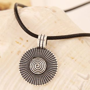 Nueva moda metal Jane love disc collar de cuerda de cuero yiwu nihaojewelry al por mayor NHSC210473's discount tags