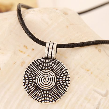 New fashion metal Jane love disc leather rope necklace yiwu nihaojewelry wholesale NHSC210473's discount tags