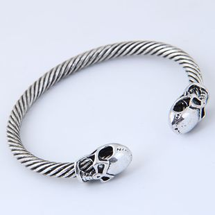 New fashion metal simple retro skull opening bracelet yiwu nihaojewelry wholesale NHSC210467's discount tags