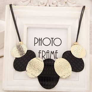 Mode sauvage métal simple ronde marque collier yiwu nihaojewelry gros NHSC210460's discount tags