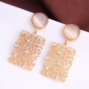 Moda coreana dulce simple flash diamante cuadrado hueco pendientes yiwu nihaojewelry al por mayor NHSC210434's discount tags