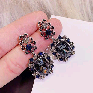 Fashion retro metal baroque gems simple exaggerated earrings yiwu nihaojewelry wholesale NHSC210432's discount tags
