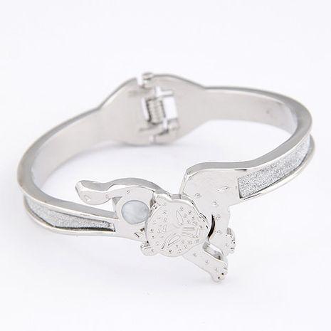 Nouveau métal de mode exagéré petit bracelet léopard yiwu en gros NHSC207133's discount tags