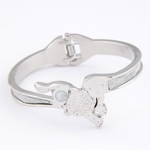 New fashion metal exaggerated little leopard bracelet yiwu wholesale NHSC207133
